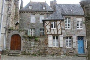 Moncontour une jolie cité médiévale dans * PHOTOS PHOTO PHOTOGRAPHIE VUE img_040711-300x200